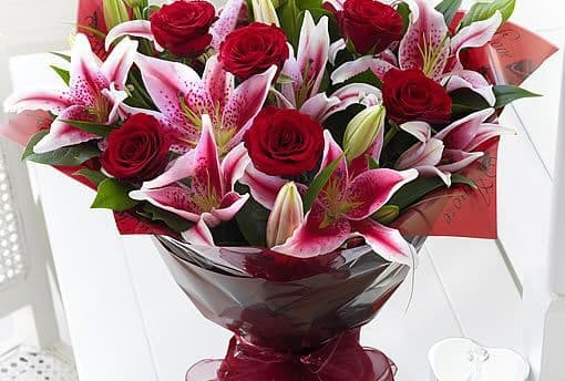 Red Roses & Lillies