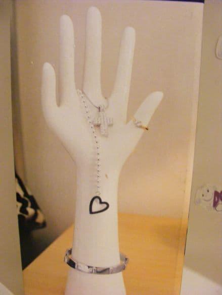 BNIB White Ceramic Hand Jewellery Stand