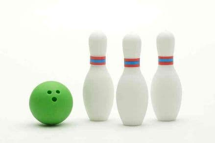 IWAKO NOVELTY ERASERS/RUBBERS - SKITTLES AND GREEN BOWLING BALL