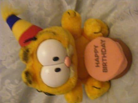"Vintage 8"" Birthday Garfield plush toy 80's"