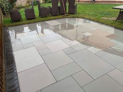 18.28 m2 Full crate deal of our Kandla Grey Honed & Sawn Patio Packs