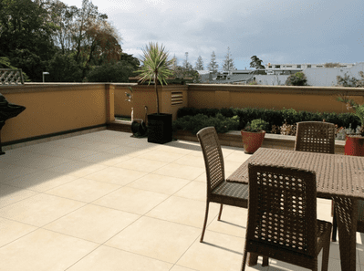 21.6 m2 Full Crate Cotswold Crema Porcelain Patio Slabs  900 x 600 x 20 mm