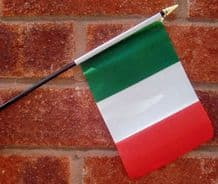 HAND WAVING FLAG (SMALL) - Italy