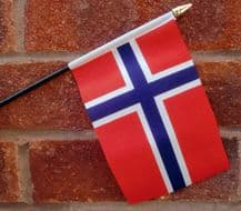 HAND WAVING FLAG (SMALL) - Norway