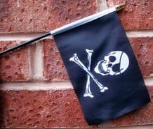 HAND WAVING FLAG (SMALL) - Pirate Skull & Crossbones