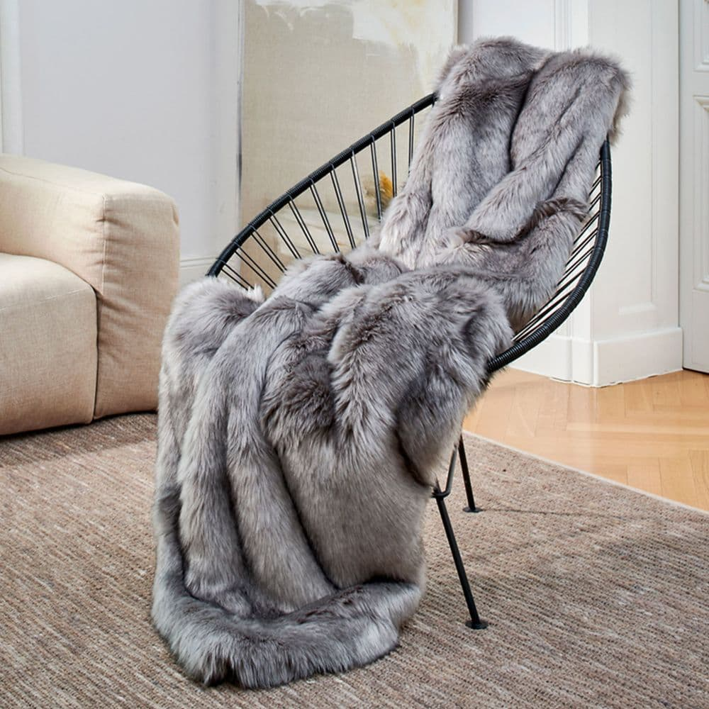 Luxury Faux Fur Throw - Fox